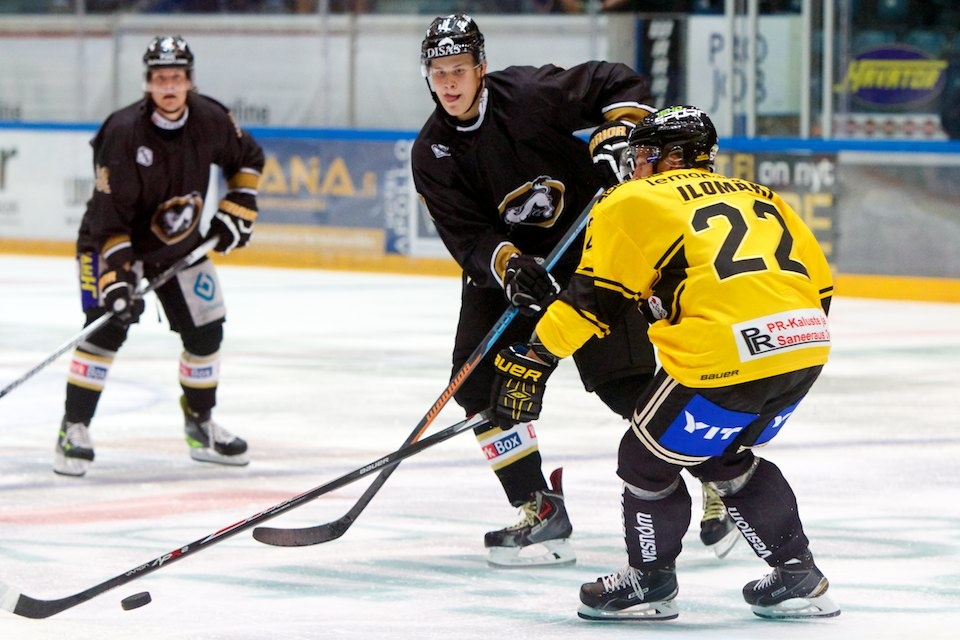 Jesse Puljujärvi avasi vahvasti liigan harjoitusottelut Kärppä-paidassa.