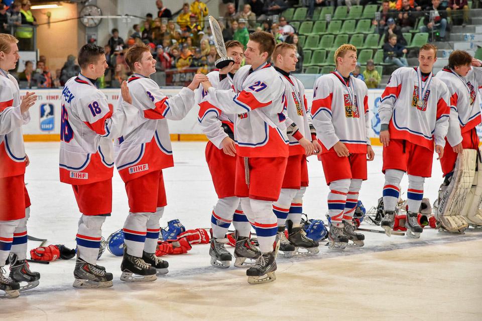Viime keväänä Tšekki yllätti alle 18-vuotiaiden MM-kilpailuissa ottamalla hopeaa.