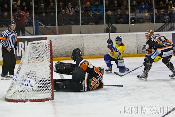 Tasaisen varma suorittaja Mikko Rämö tositoimissa.