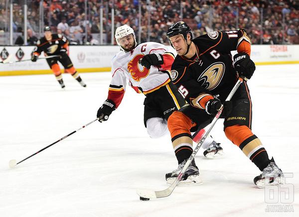 Ducks - Flames: Carlyle valmis viemään Ducksin seuraavalle tasolle - NHL - 13.04.2017 ...
