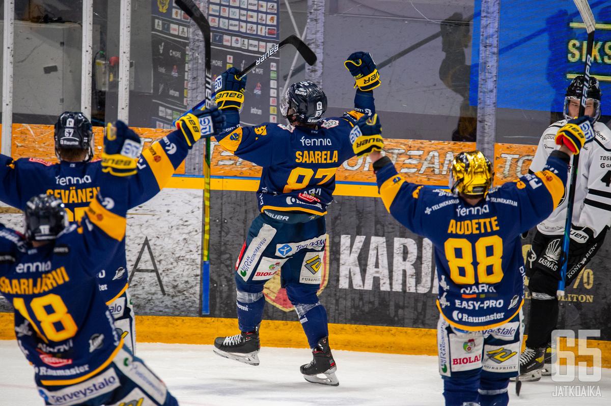 Lukko otti lauantaina historian toisen otteluvoittonsa Liigan finaaleissa, ensimmäinen tuli 15.4.1988 Hakametsässä.