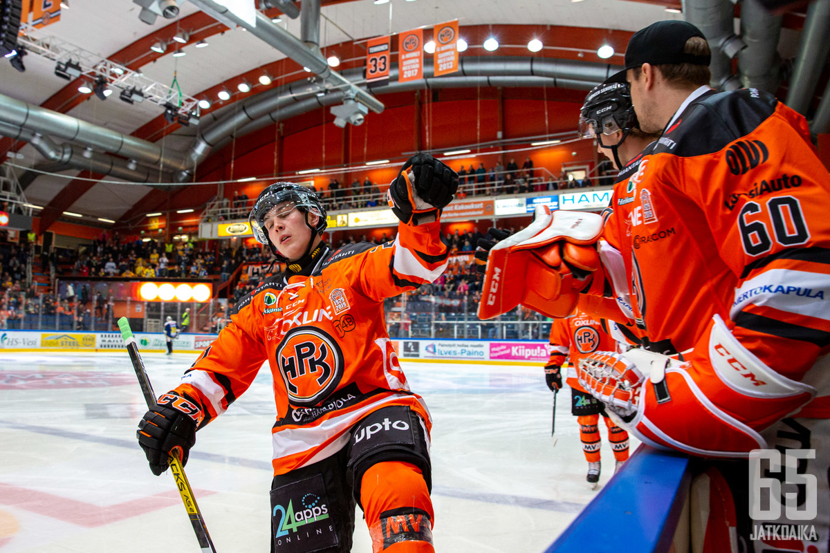 HPK:n Jere Innala oli illan ottelussa kovassa pelivireessä. Nuorelle hyökkääjälle kirjattiin ottelusta lopulta tehot 2+1 sekä ottelun voittomaali.