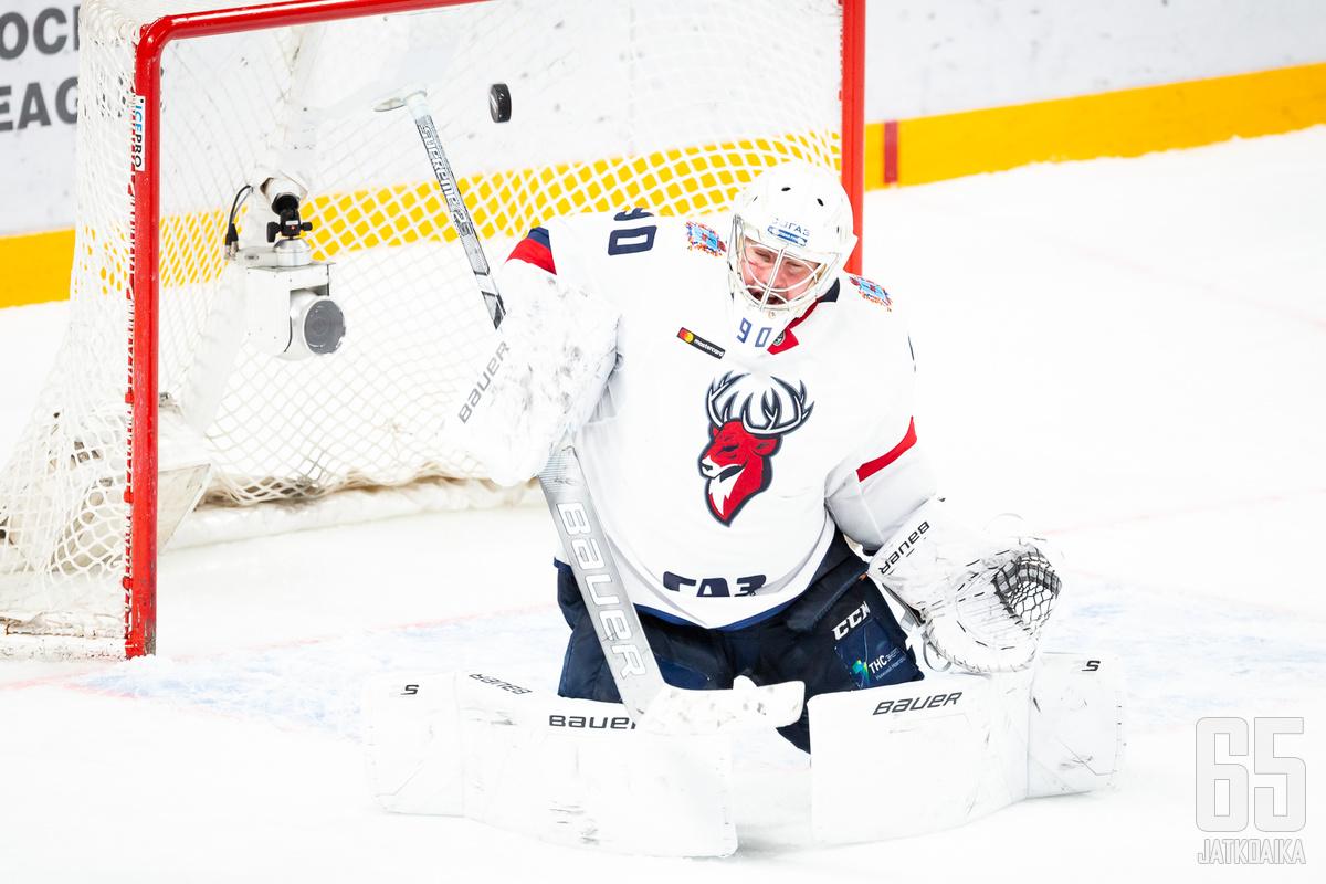 Andrei Tikhomirov torjui viime kaudella Jokereita vastaan Helsingissä Torpedon maalilla.