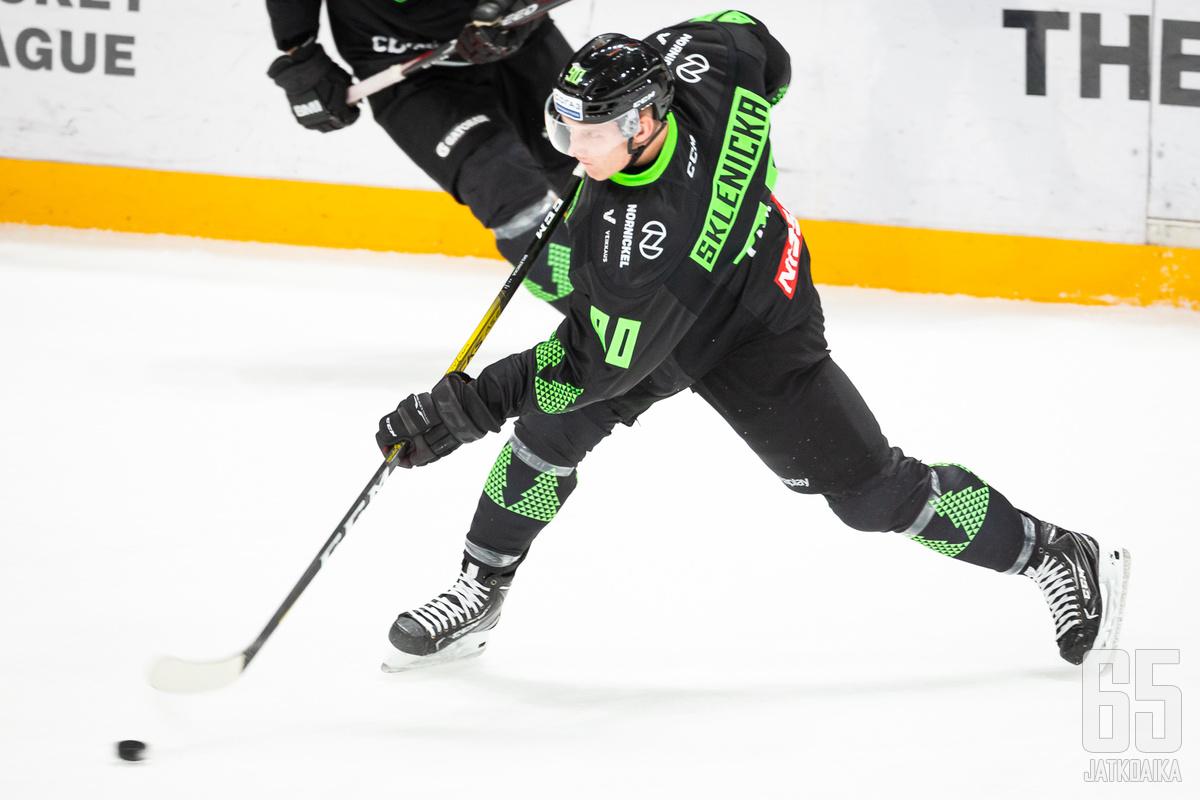 David Sklenicka onnistui maalinteossa uransa neljännessä KHL-ottelussaan.
