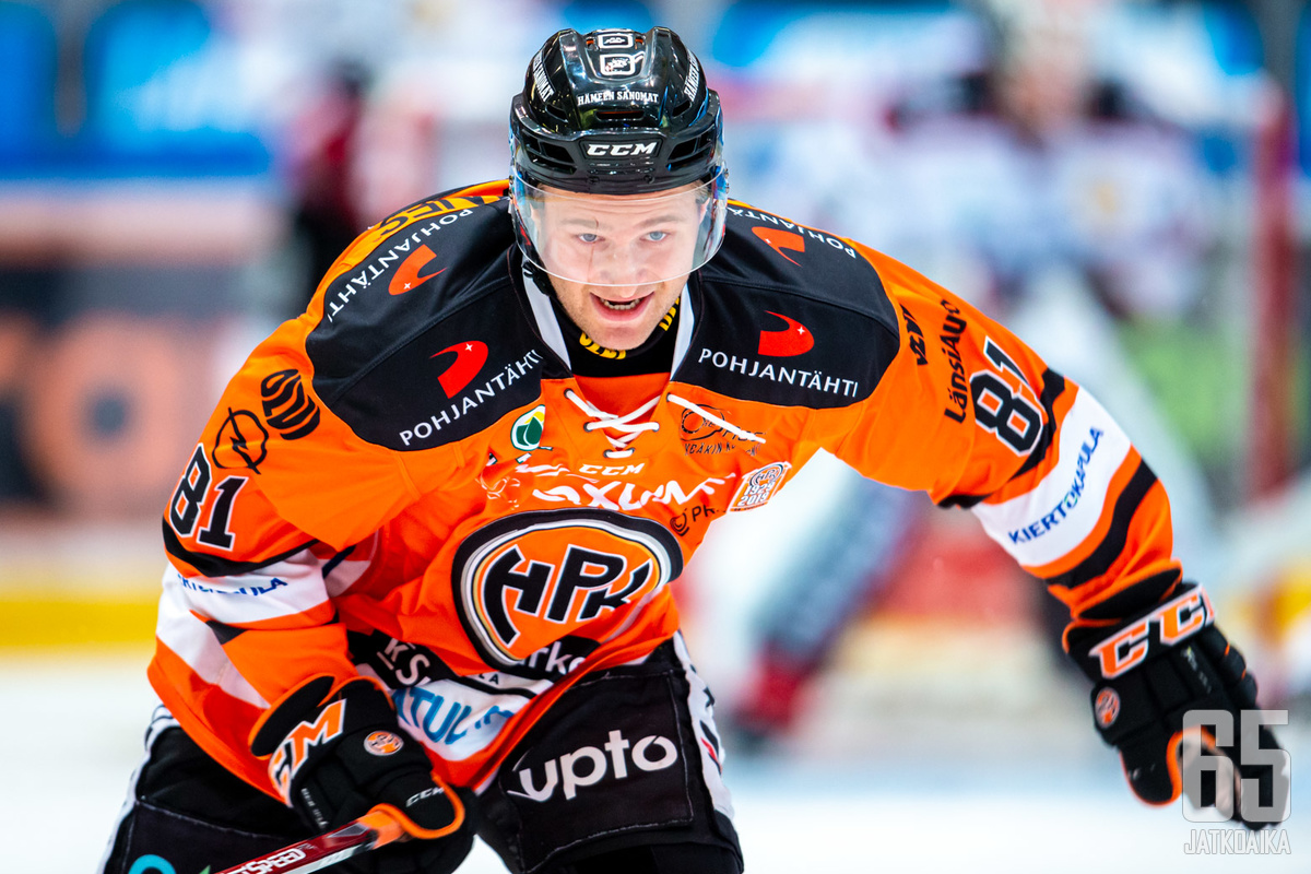 HPK:n tänään sentterinä pelannut Joona Monto vietti kahden maalin iltaa Mikkelissä.