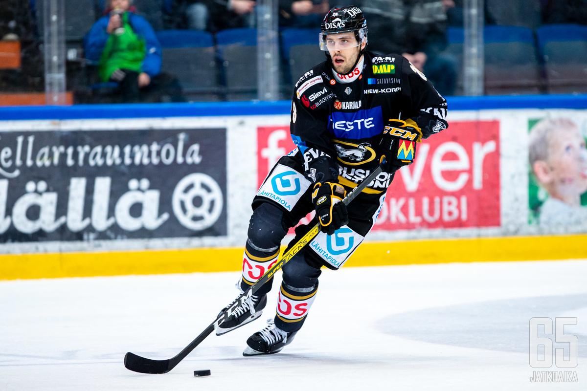 Mikko Niemelä oli illan tehomies pistein 1+2.