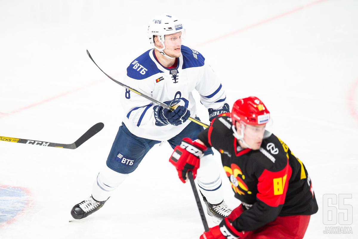 Pulkkinen pelasi alkukauden Dinamo Moskovan riveissä.