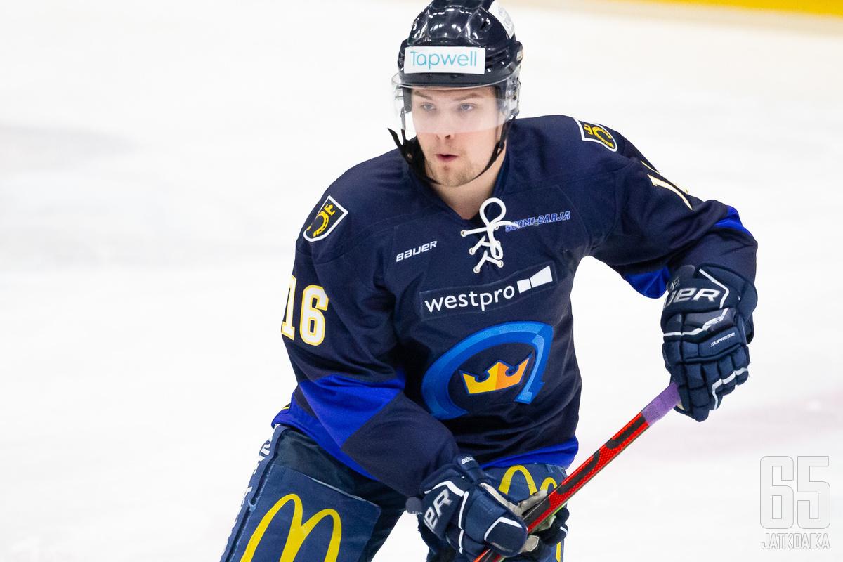 Tommi Takaveräjä jatkaa Espoossa jo neljännen kauden.