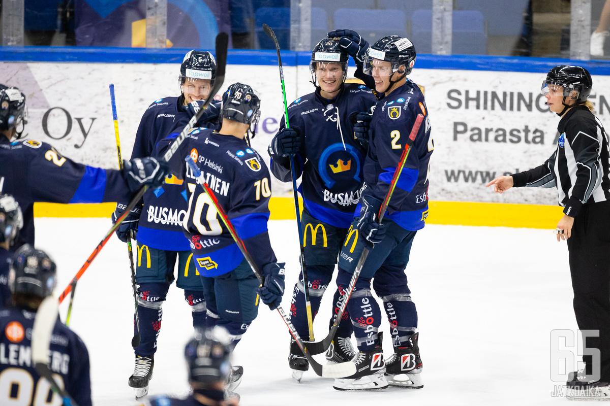 Kiekko-Espoon pelit jatkuvat 11 muun joukkueen ohella.