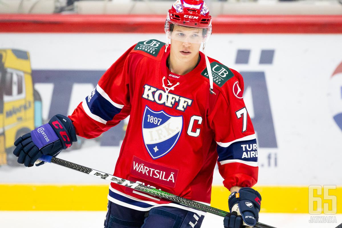 HIFK:n kapteeni Jere Sallinen on johdattanut joukkoa myös pisteiden valossa.