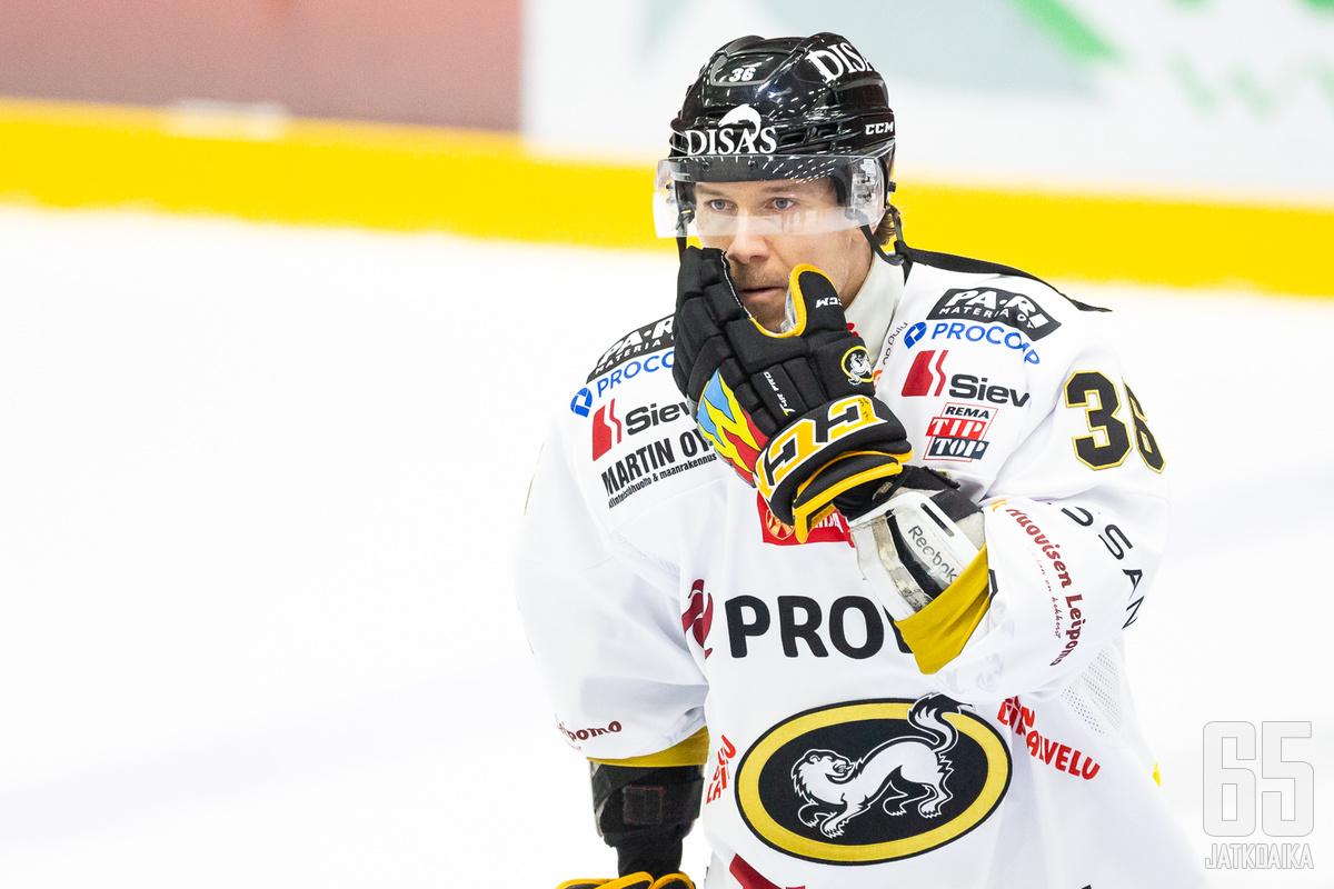 Kovana rangaistuslaukauksien vetäjänä urallaan tunnettu Jokinen ratkaisi voiton Kärpille voittomaalikilpailussa.