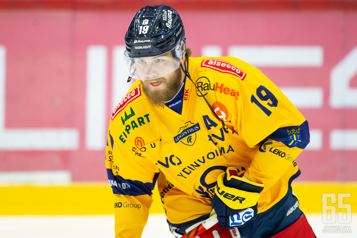 Robin Press on kirjoittanut nimensä historiankirjoihin, kun ruotsalaispuolustaja on kerännyt eniten pisteitä puolustajana Lukon liigahistoriassa. Tänään hän ratkaisi voiton voittolaukauskilpailussa.
