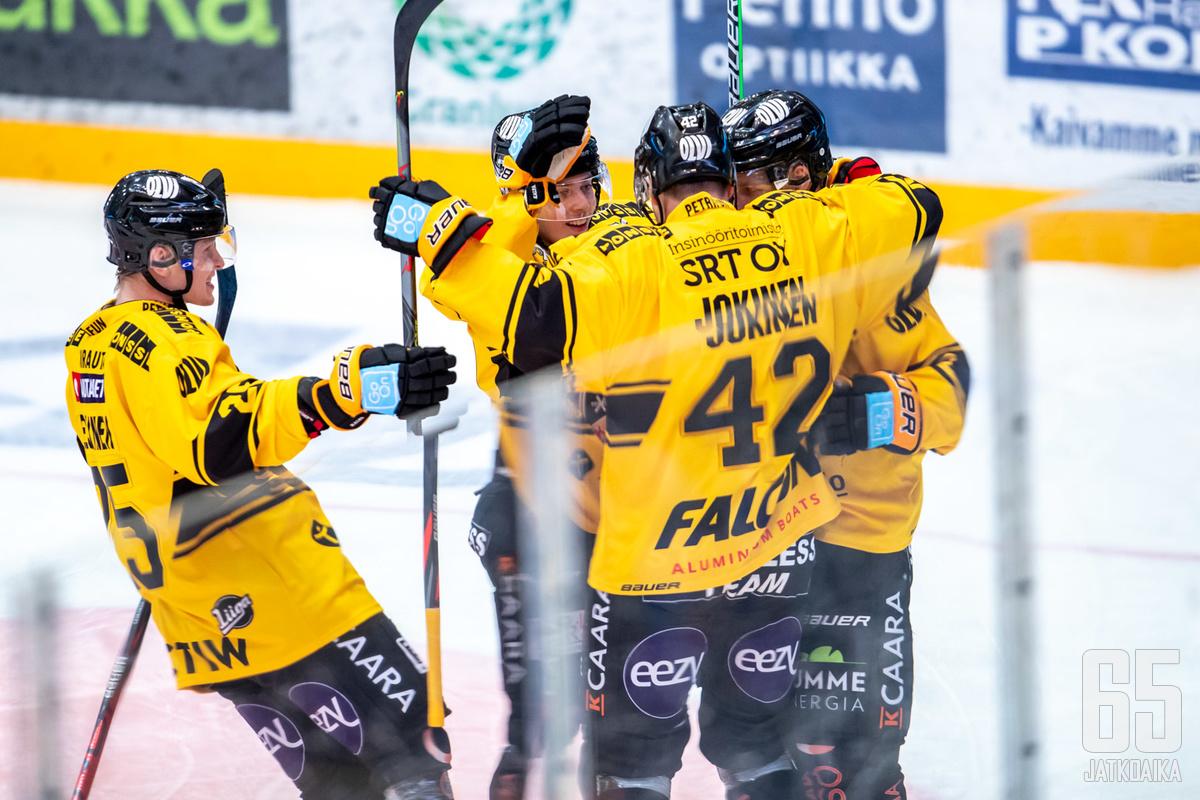 KalPa pääsi tuulettamaan toista voittoaan Jukureista tällä kaudella.