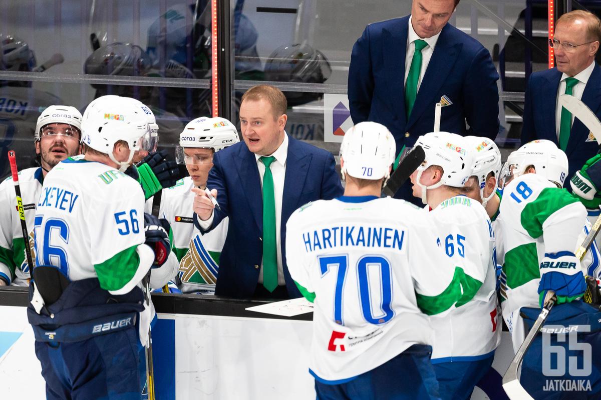 Salavat Julajev Ufa selvitti tiensä kevään tärkeisiin otteluihin.