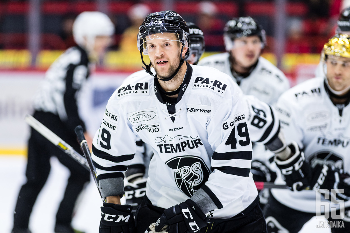 Ilkka Heikkisen ottelu päättyi ennen aikojaan.