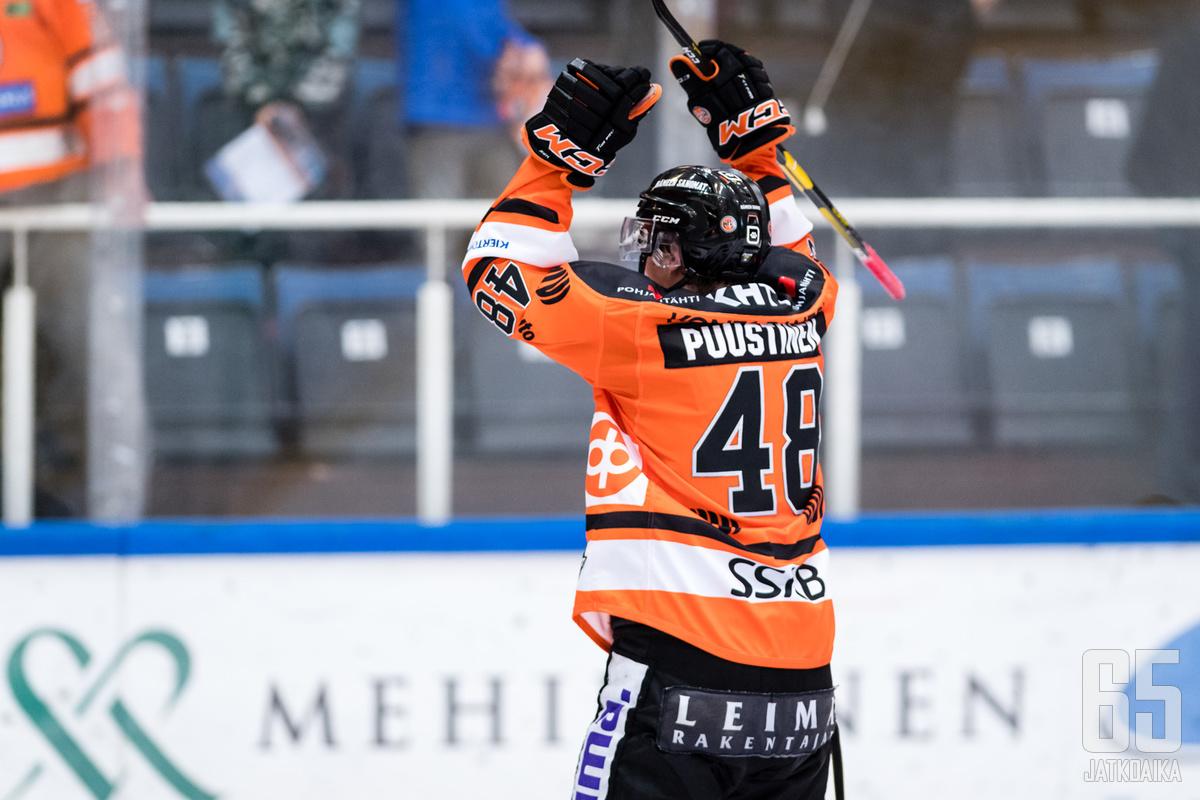 Valtteri Puustinen iski ottelussa HPK:n kolmannen maalin.