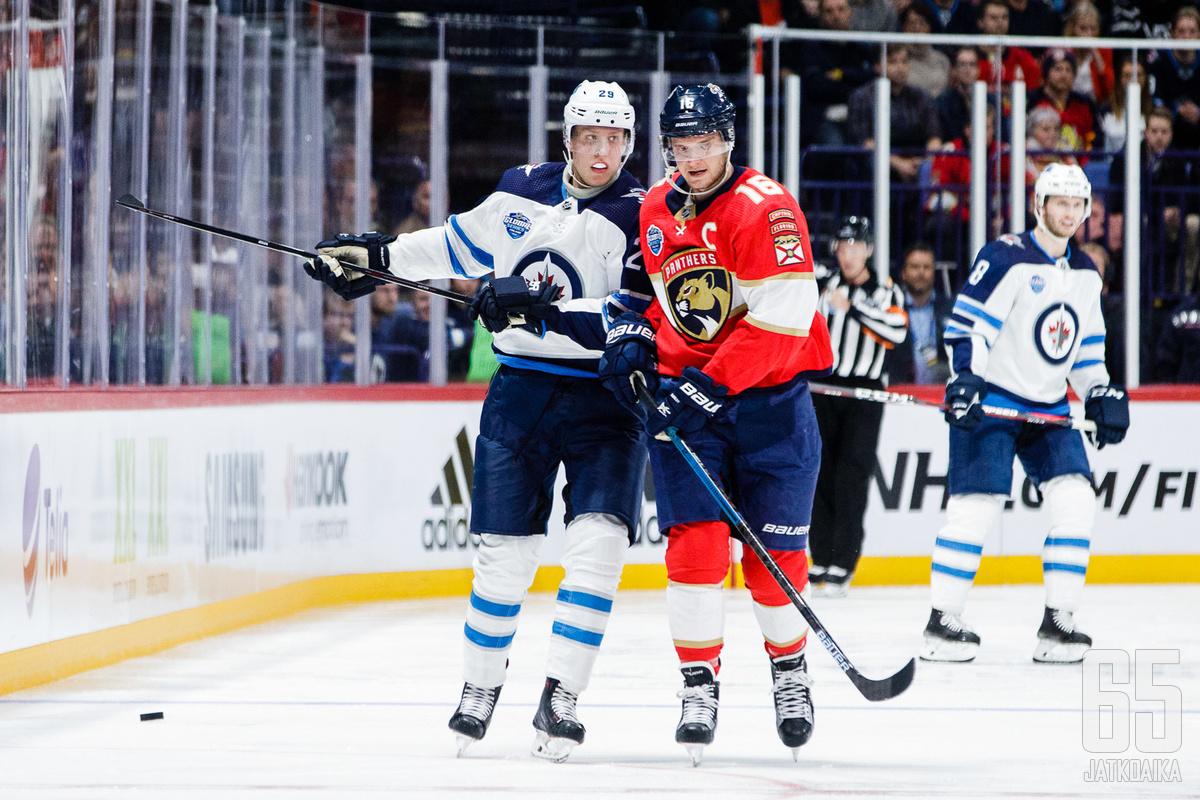 Patrik Laine ja Aleksander Barkov edustavat suomalaisen jääkiekon palvottua tähtitarhaa tällä hetkellä.
