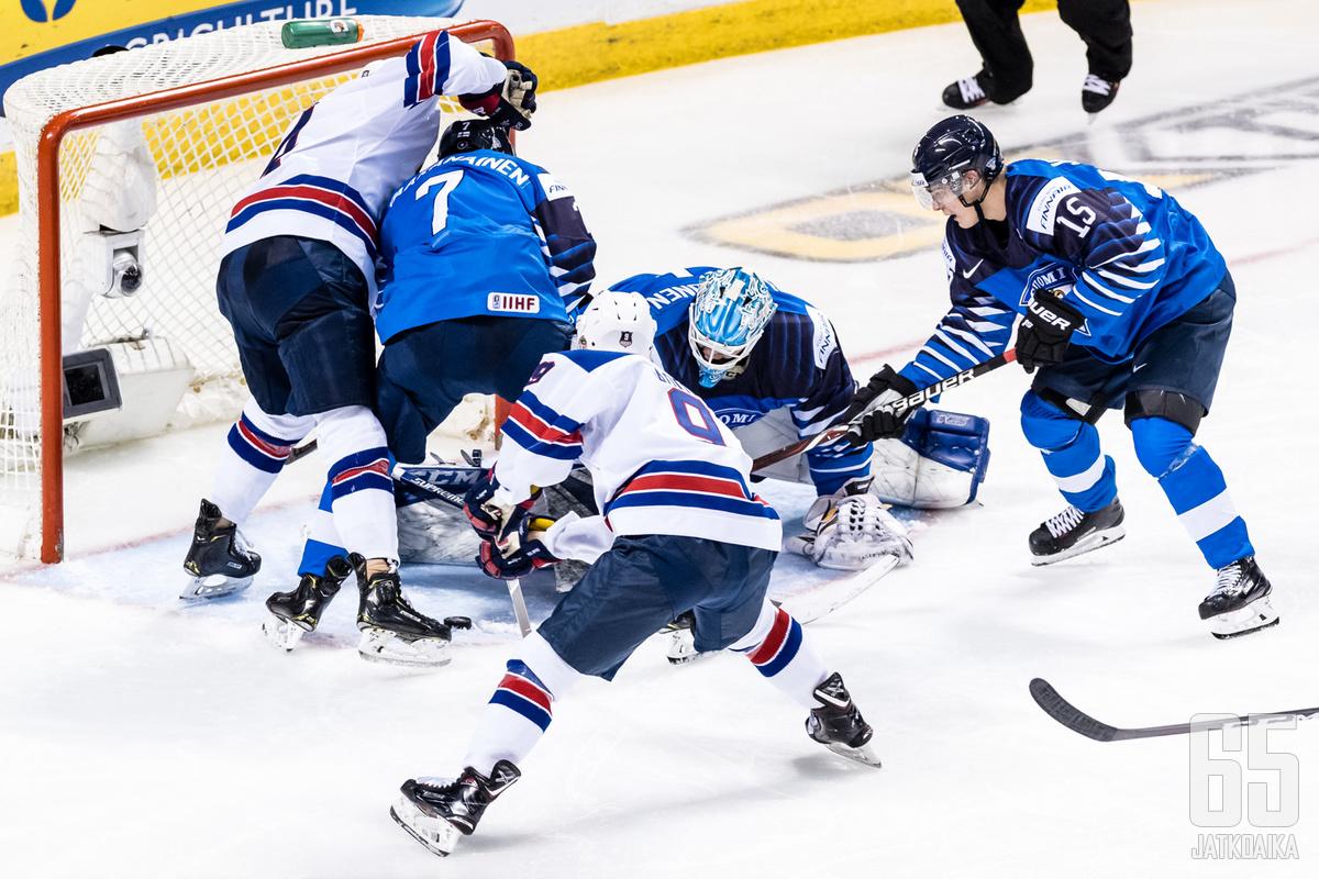 Suomi ja Yhdysvallat kohtasivat jo alkulohkossa. Silloin Yhdysvallat voitti 4–1.