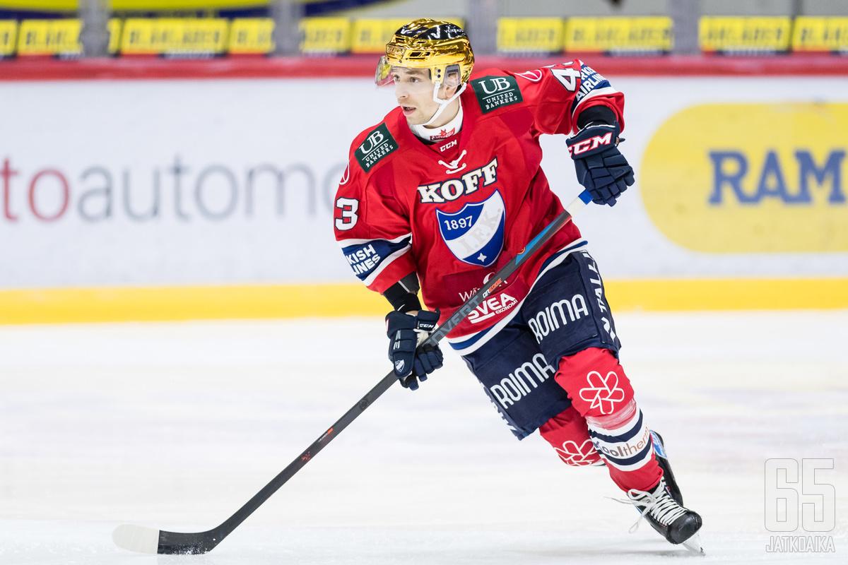 Sakari Salminen kiekkoili toissa kaudella HIFK:n paidassa.