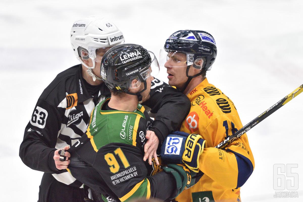 Tampereella nähtiin lukuisia kaksinkamppailuja.