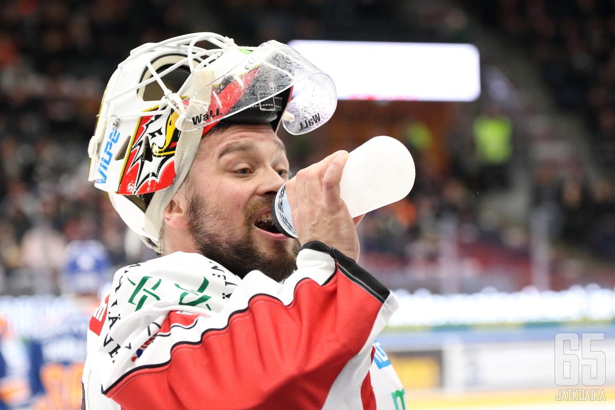 Mika Järvinen ehti pelata Sportissa tällä kaudella vain kolme ottelua.