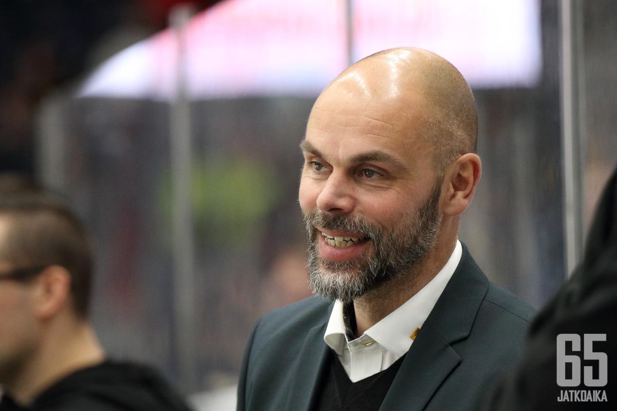 Jouko Myrrä korvasi Karri Kiven Ilveksen päävalmentajana 30.9.2019.