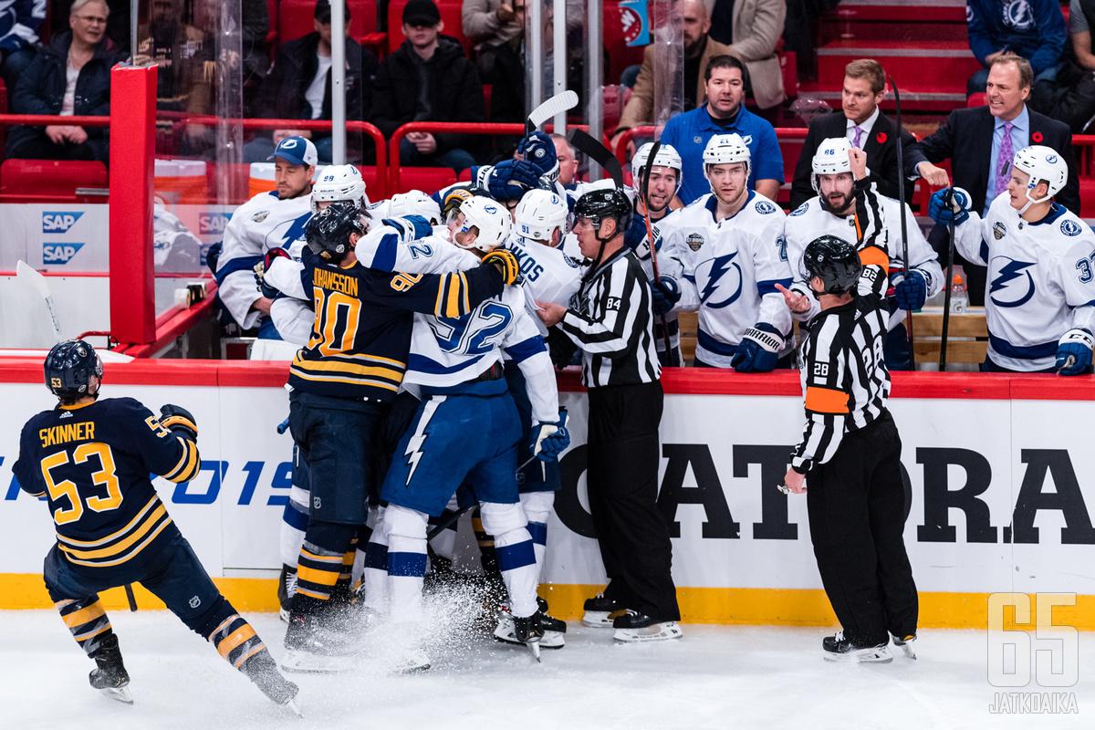 Sabres ja Lightning ottivat yhteen Tukholmassa.