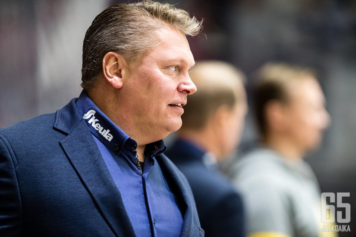 Vaikka ura Lukossa tulee tällä erää päätökseen, Pekka Virran katseet on tiiviisti tässä kaudessa.