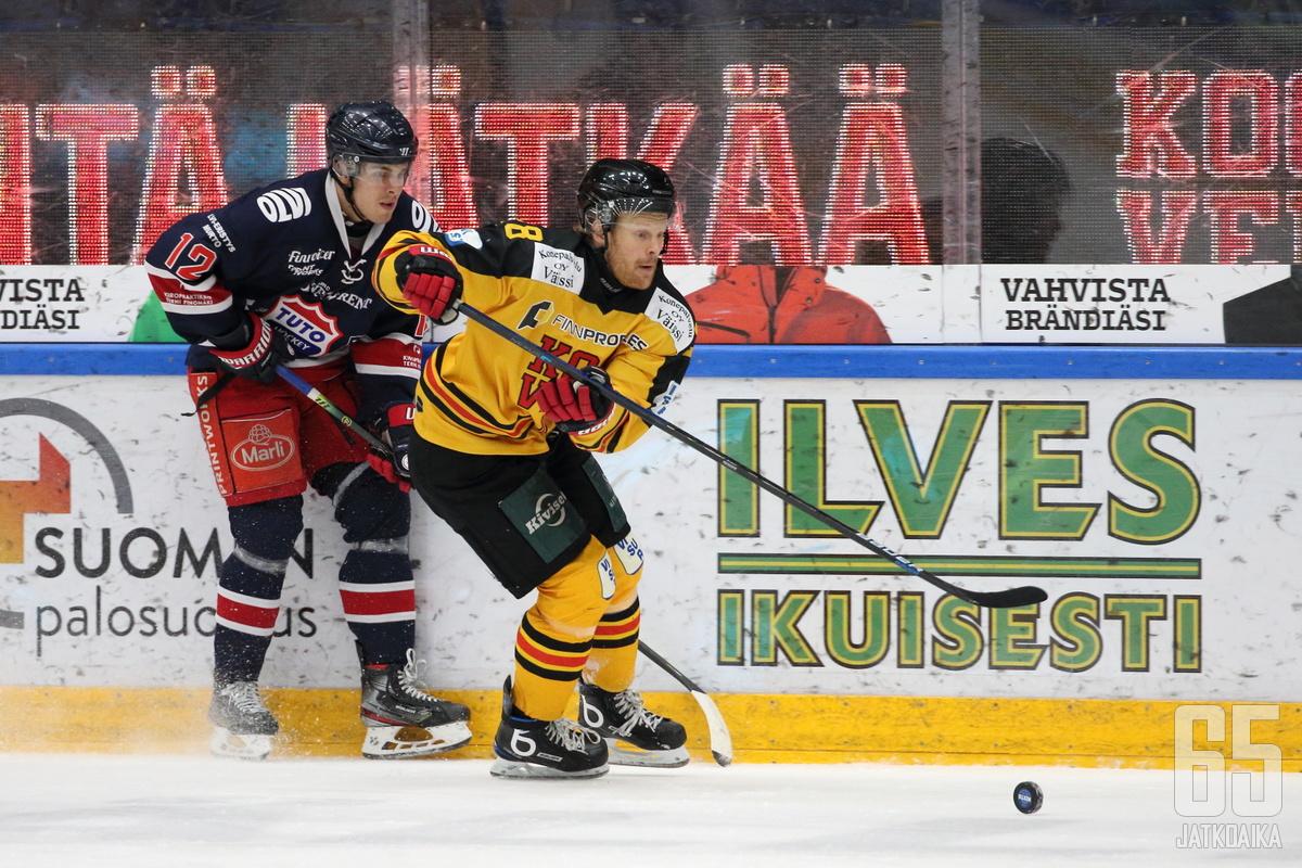 Kooveessa alkukaudella pelanneen Mikko Pukan kuluva kausi on ollut vaiheikas.