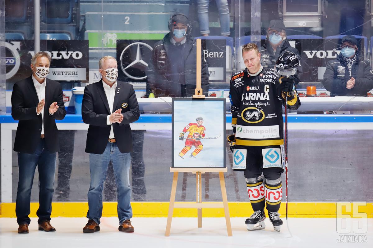Lasse Kukkosen viimeinen ottelu päätty voitokkaasti ja juhlallisesti.