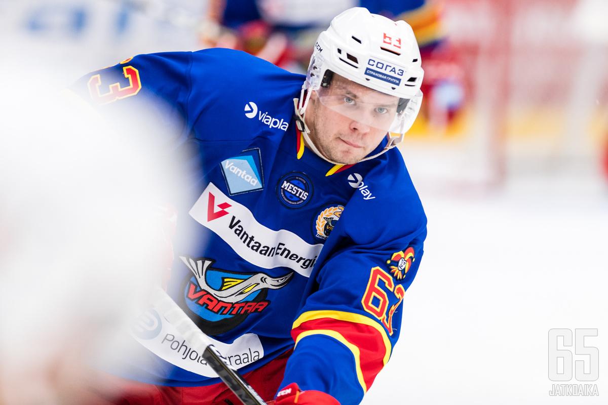 Roope Reini takoi vielä viime kaudella tehoja Kiekko-Vantaan paidassa.