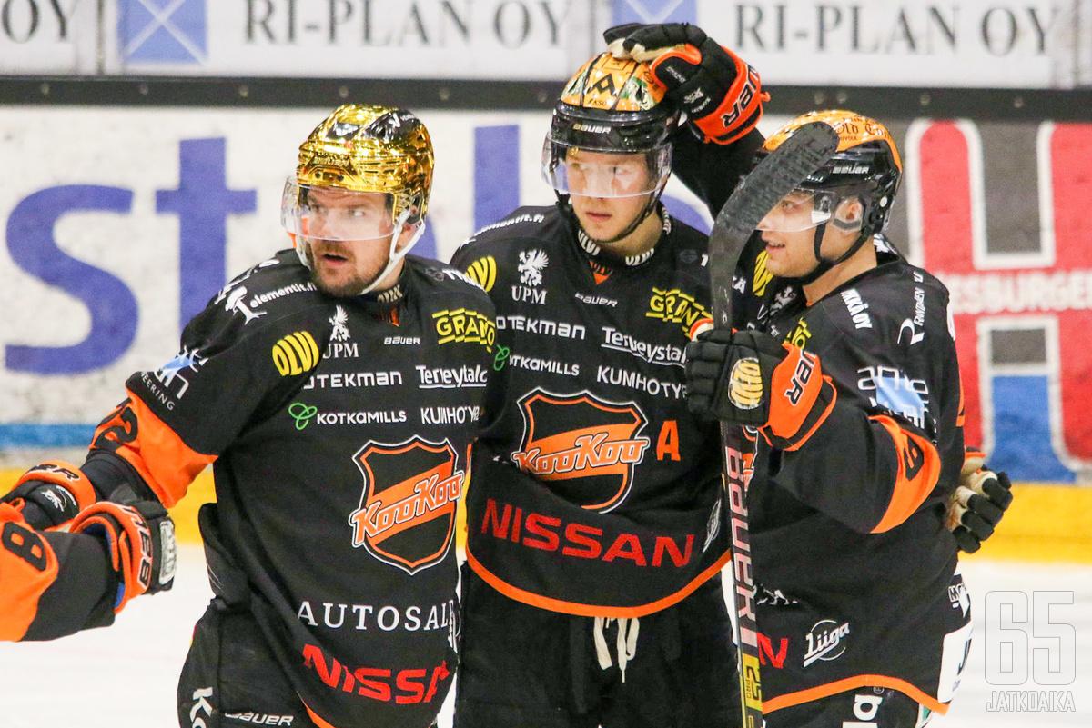 Juha-Pekka Haataja ja Kim Strömberg poistuivat joukkueesta kauden jälkeen.
