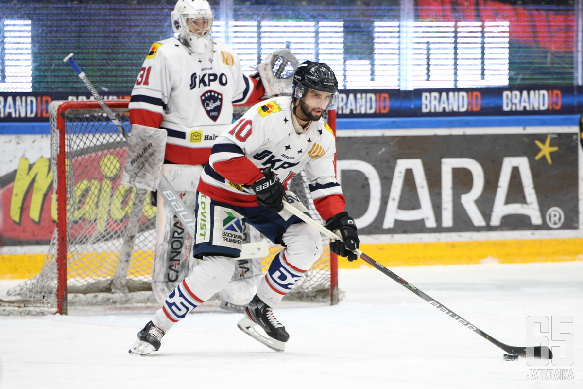 Moberg oli kahdella viime kaudella Hermeksen johtavia pelaajia.