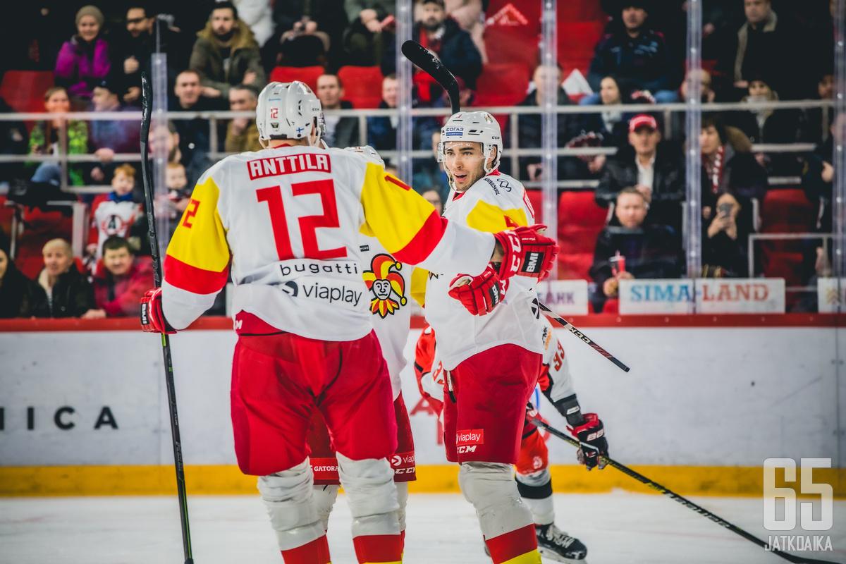 Ahti Oksanen ja Marko Anttila olivat tuhoisa kaksikko Avtomobilistin kannalta.