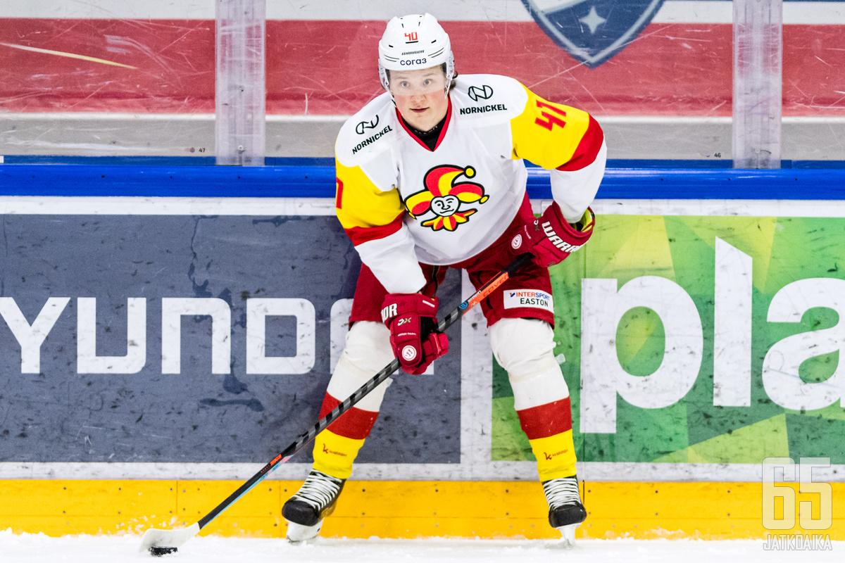 Rasmus Lahnaviik pelasi viime kaudella neljä ottelua Jokereissa.