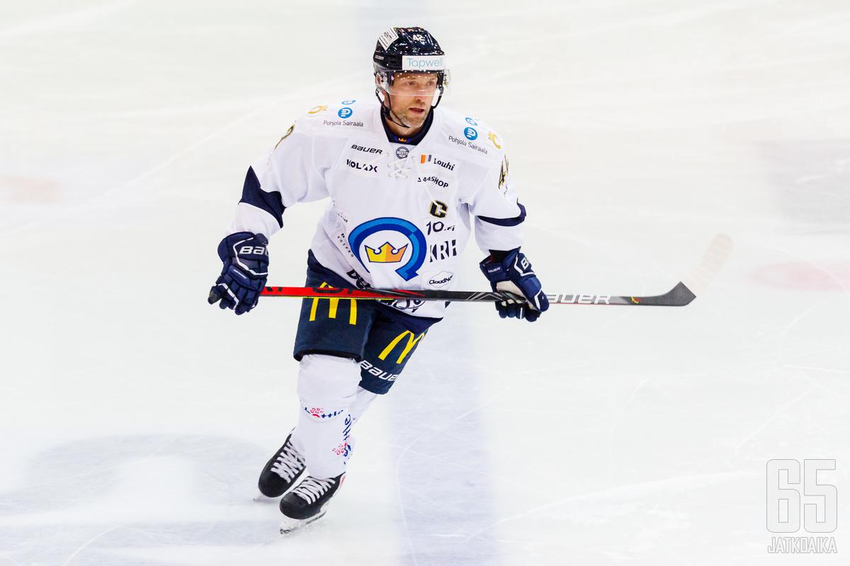 Laatikainen pelasi aiemmin Kiekko-Espoossa.