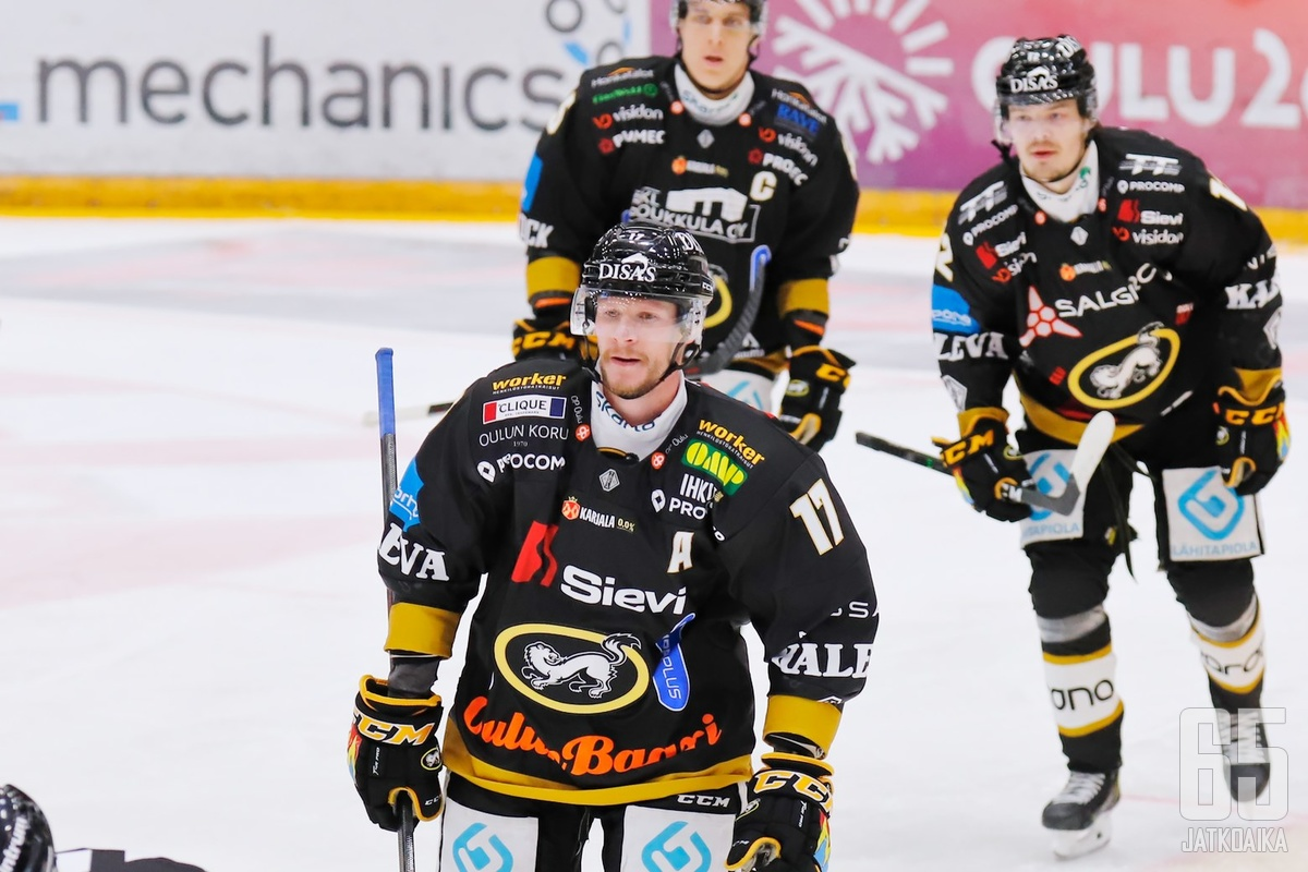 Mika Pyörälä iski kaikki kolme maaliaan ylivoimalla.