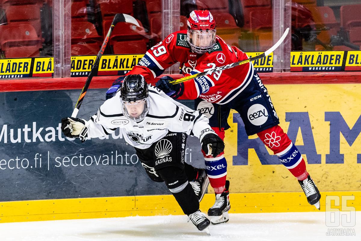 Henrik Larsson oli HIFK:ta vastaan välierissä tiukoissa tilanteissa.