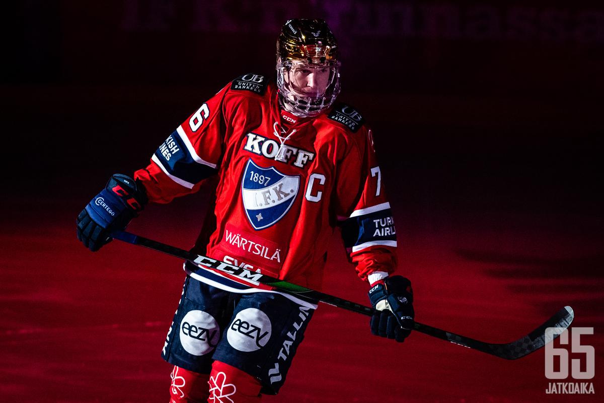 Sallinen toimi viime Liiga-kaudella HIFK:n kapteenina.