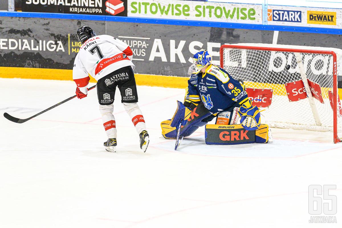 Jarno Kärki oli ainut onnistuja voittomaalikilpailussa.