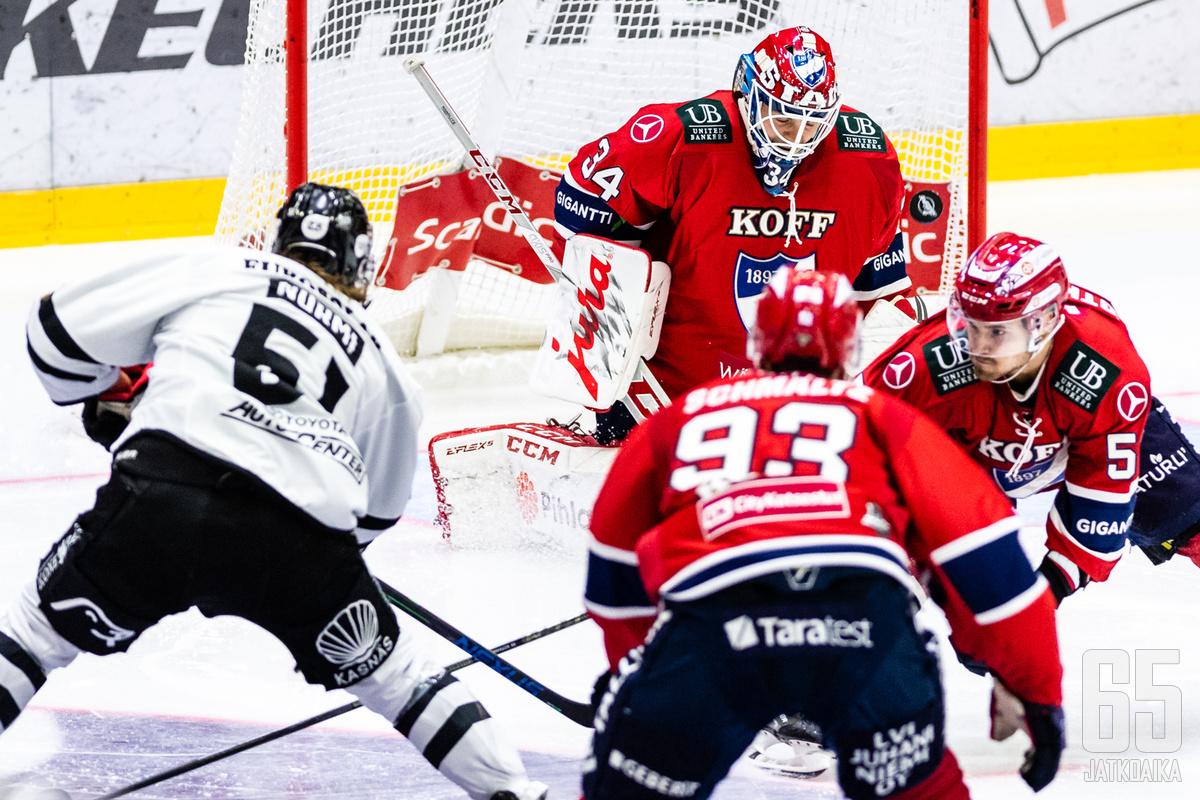 Michael Garteig oli jälleen työn touhussa HIFK:n maalin suulla.