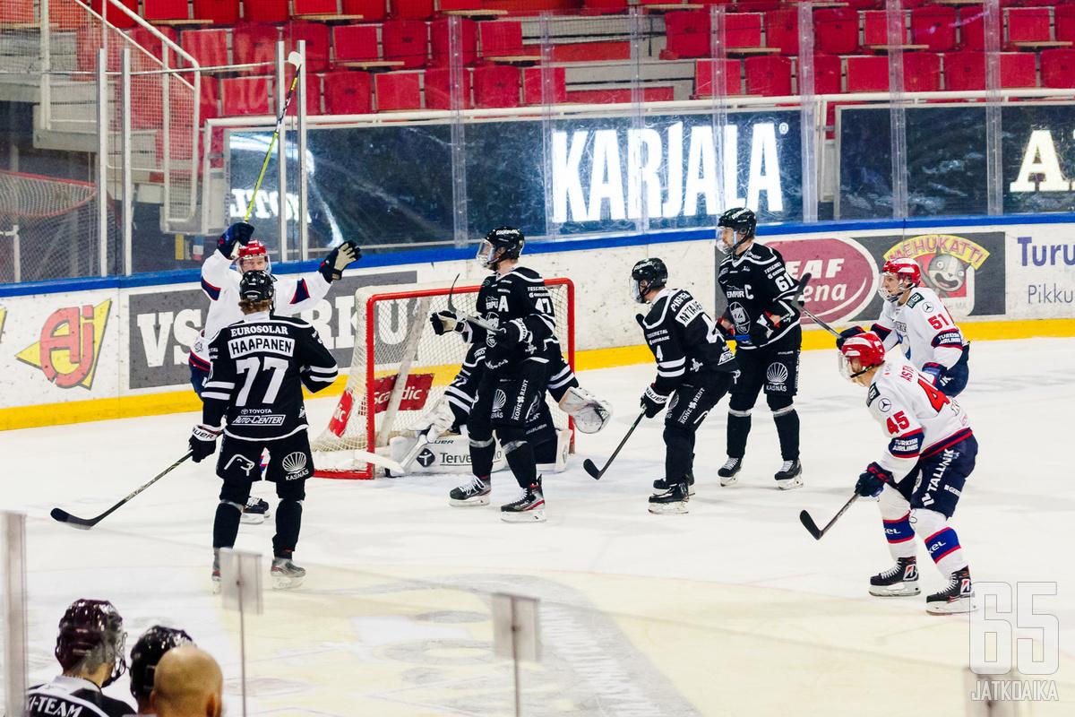 TPS:n ryhmä täydentyy ruotsalaispuolustaja Arellilla.