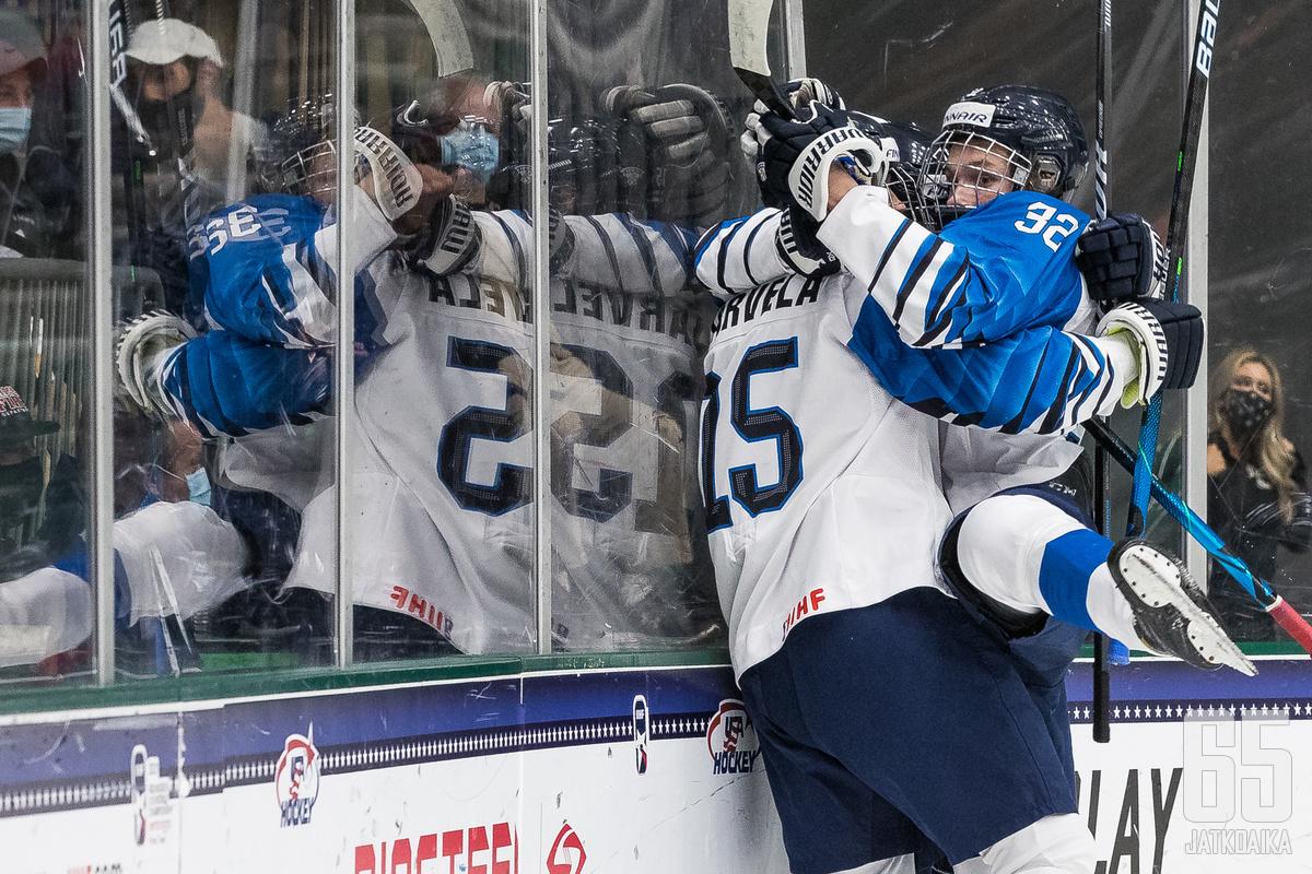 Suomi voitti alkulohkonsa, vaikka hävisi USA:lle.