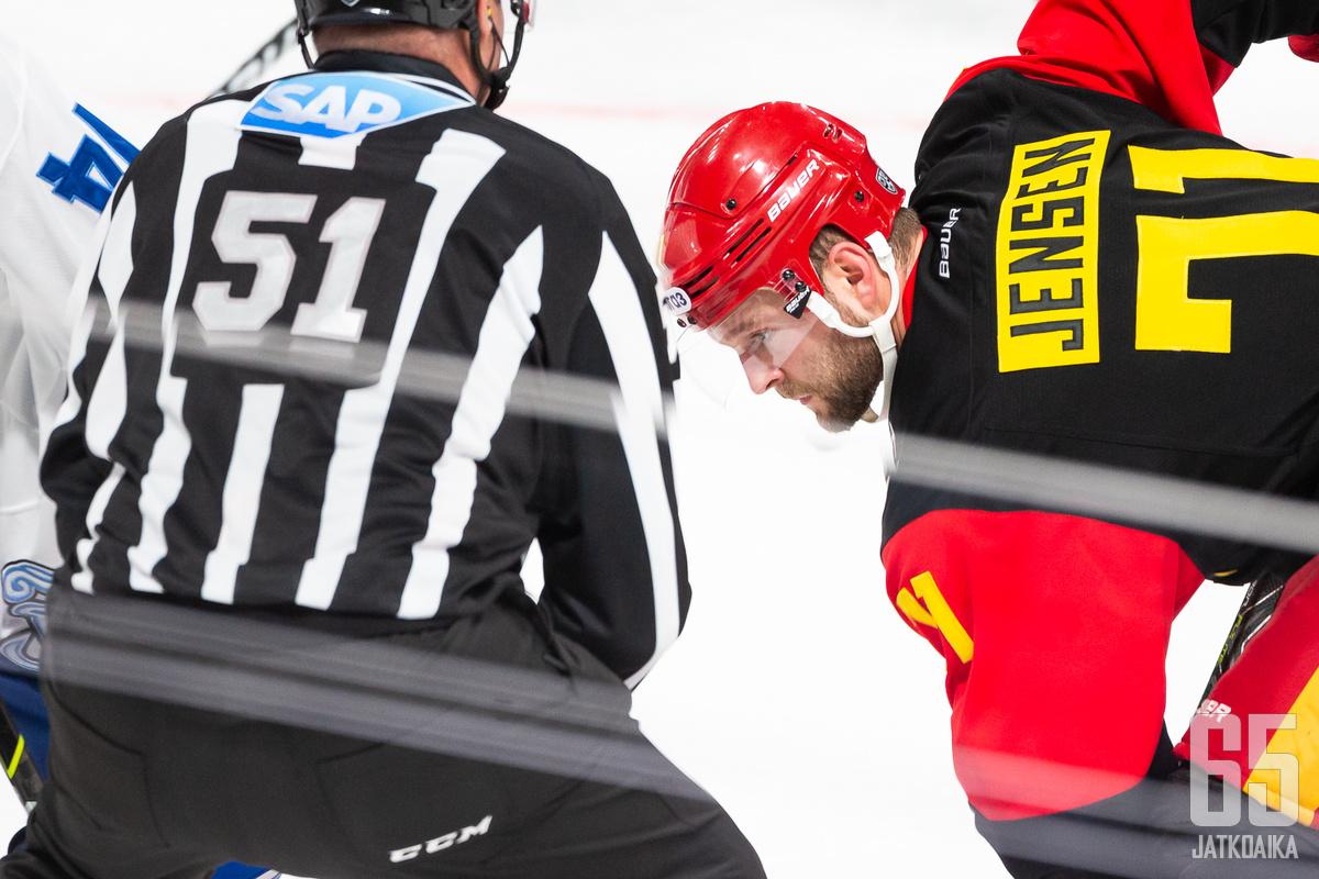 KHL tuomitsi Jensenin puskemisesta yhden ottelun pelikieltoon.