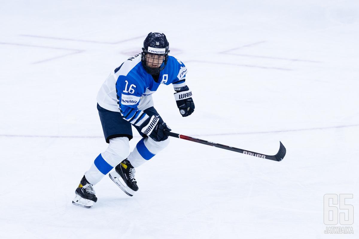 Petra Nieminen tulitti hattutempun avauserään.