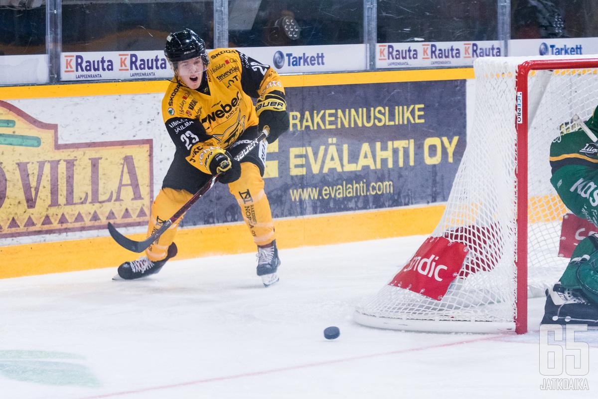 Emil Oksanen pelaa Mestistä tulevalla kaudella.