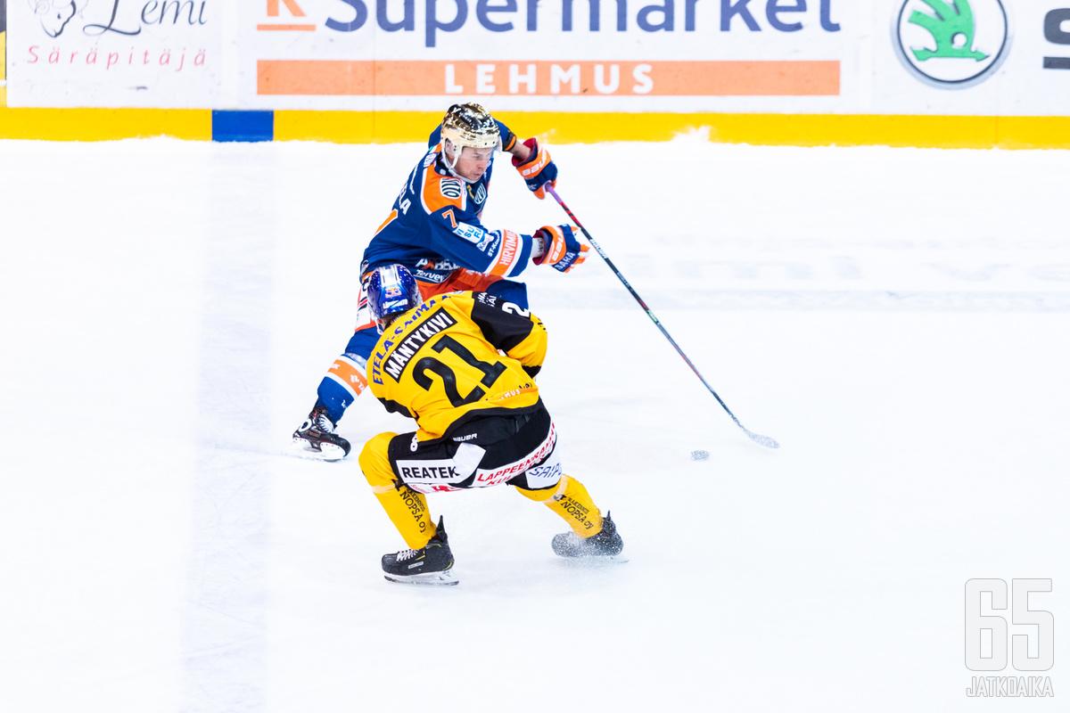 Kristian Kuusela oli tälläkin kertaa pelipäällä luoden lukuisia maalipaikkoja.