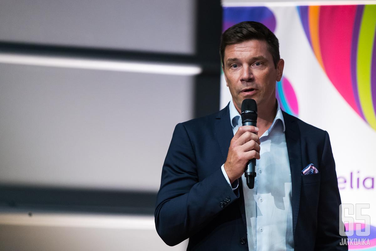Riku Kallioniemi näkee, että Liiga-organisaatiot ovat keskeisimpiä toimijoita Suomi-kiekossa.