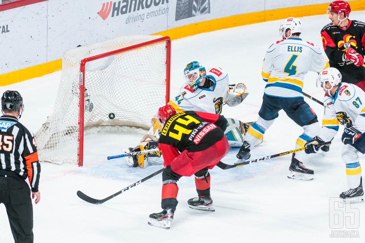Mikko Lehtonen ratkaisi pelin.