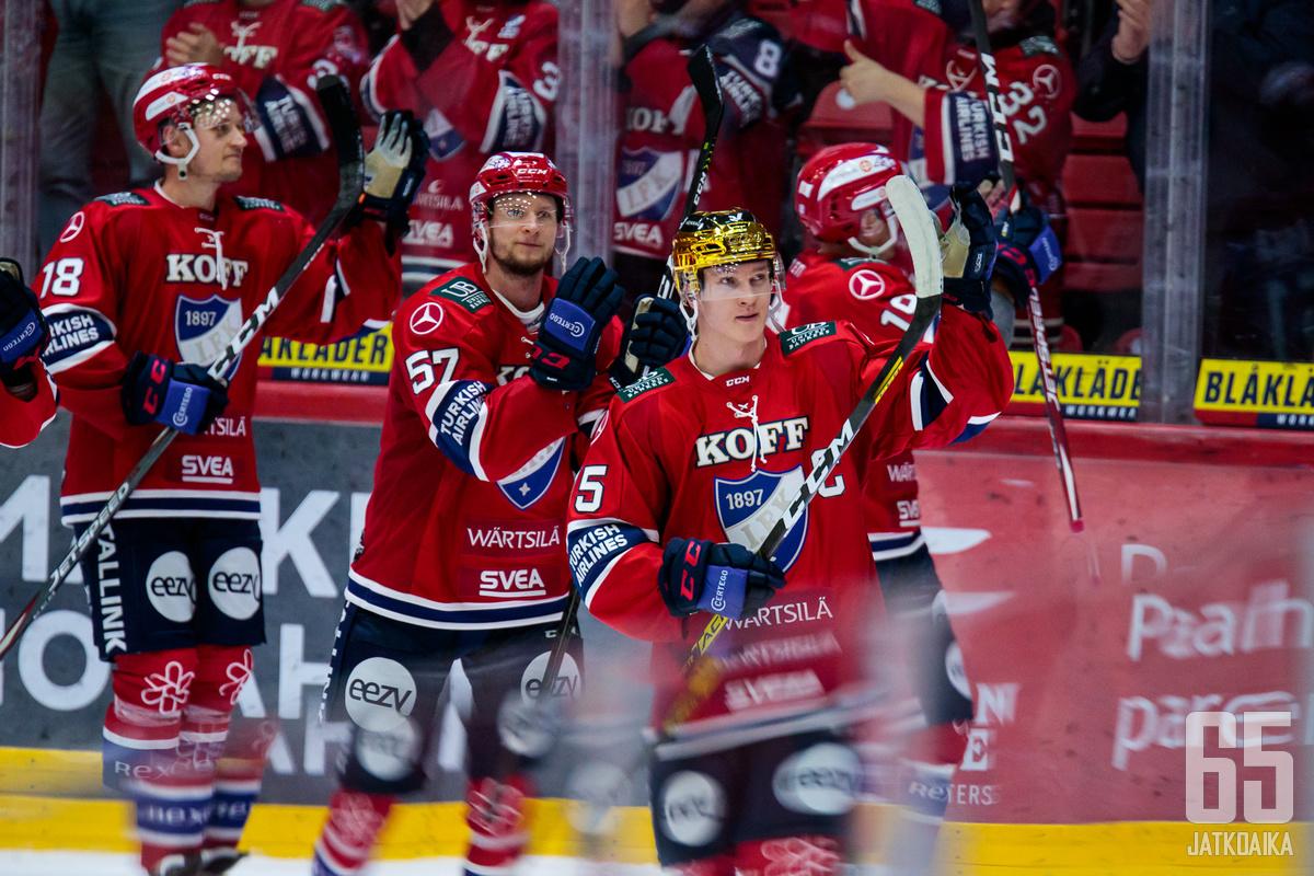 HIFK pääsi juhlimaan maalia 11 kertaa.